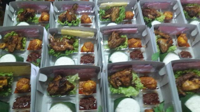 Foto: Nasi Campur Spesial Lezat Ibu Lili Jaya