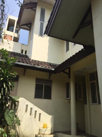 Foto: Rumah 3 Lantai Tengah Pusat Kota Depok