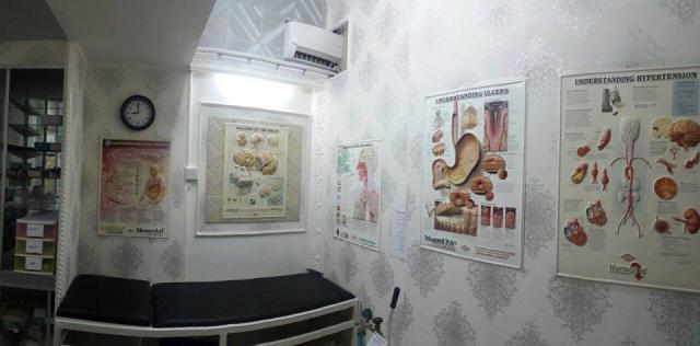 Foto: Terima Swab Antigen di Klinik Kemayoran, Jakarta Pusat