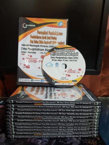 Foto: Buku Induk K13 dan CD RPP Daring